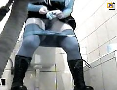 Alt babe hits spycammed loo and gets filmed peeing
